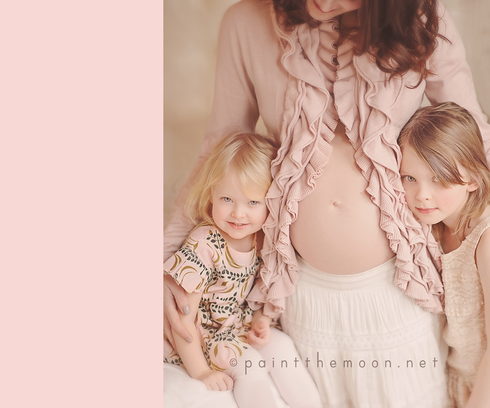 What to Wear for Maternity Family Photos | Clothing Tips | Paint the Moon Photoshop Actions