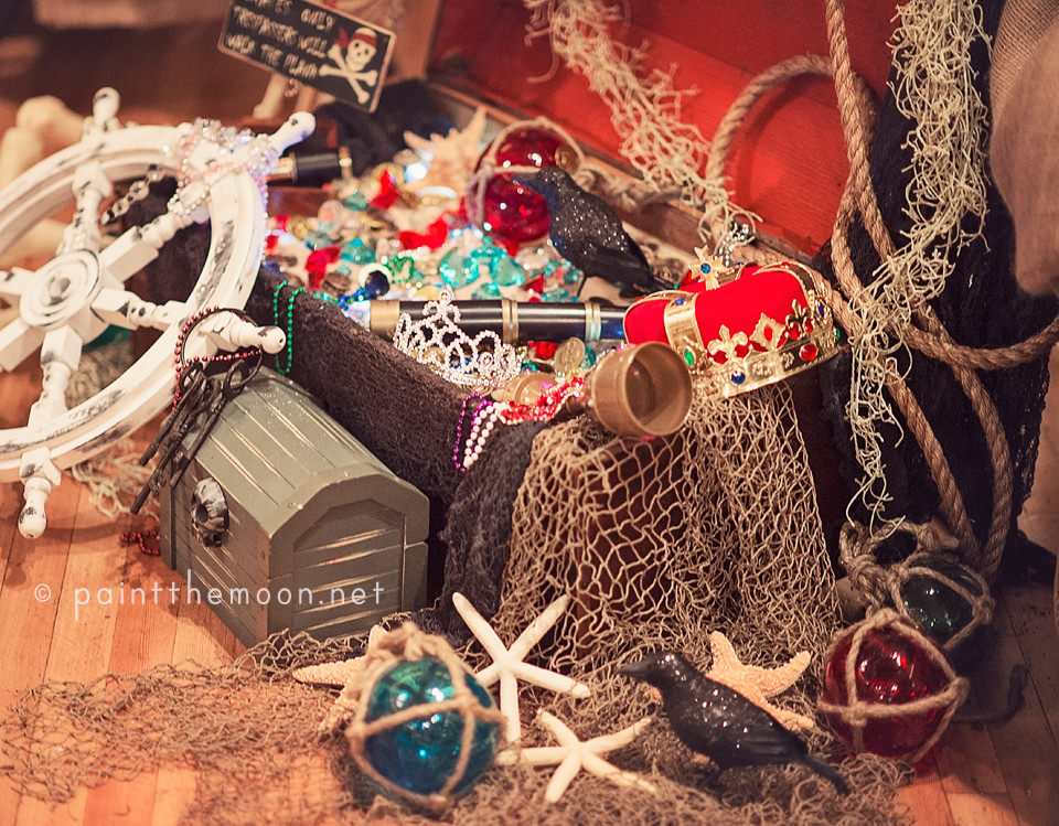 12-pirate party treasure chest decorations